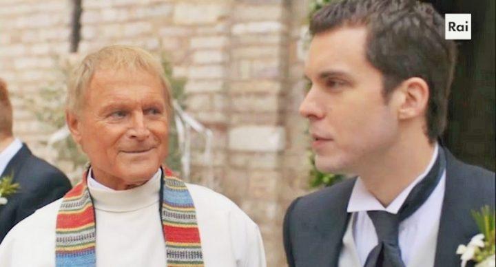 Terence Hill e Lorenzo Balducci in una scena di Don Matteo 11